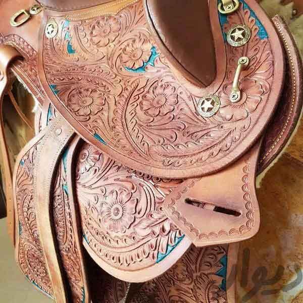 زین اسب. تمام چرم. آکبند استفاده نشده. زیبا.