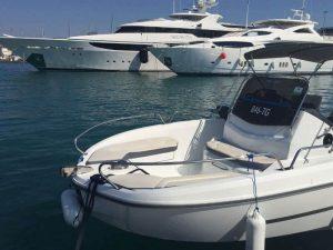 قایق با کارایی بالا