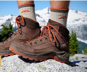 کفش های نیمه چرم کوهنوردی