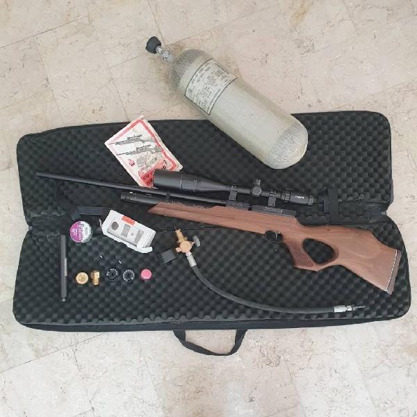 تفنگ بادی حرفه ای وایروخ ۱۰۰ FSB آلمانی کالیبر ۵/۵ دارای تمام لوازم جانبی بطور کامل در حد نو
